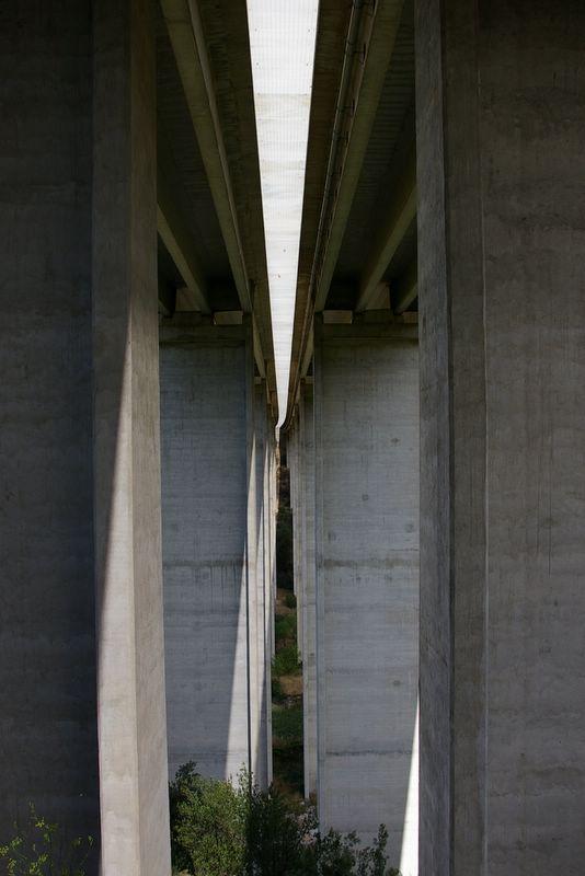 j42_29_sous_autoroute
